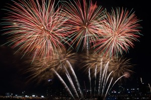 seoul_international_fireworks_festival_the_night_sky_yeouido_seoul_fireworks_festival_night_city_festival-587430.jpg!d